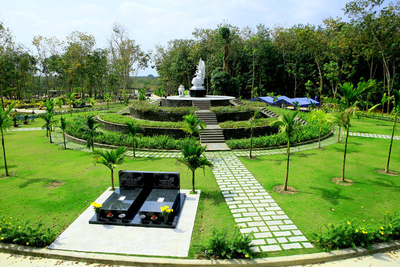 Tú khí ở khu vườn mộ phu thê