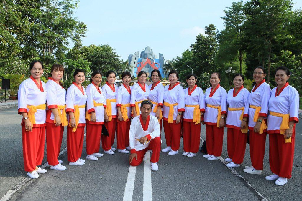 Liên hoan thể dục dưỡng sinh các tỉnh thành tại Hoa viên nghĩa trang Bình Dương