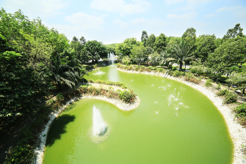 Hồ Thủy Long