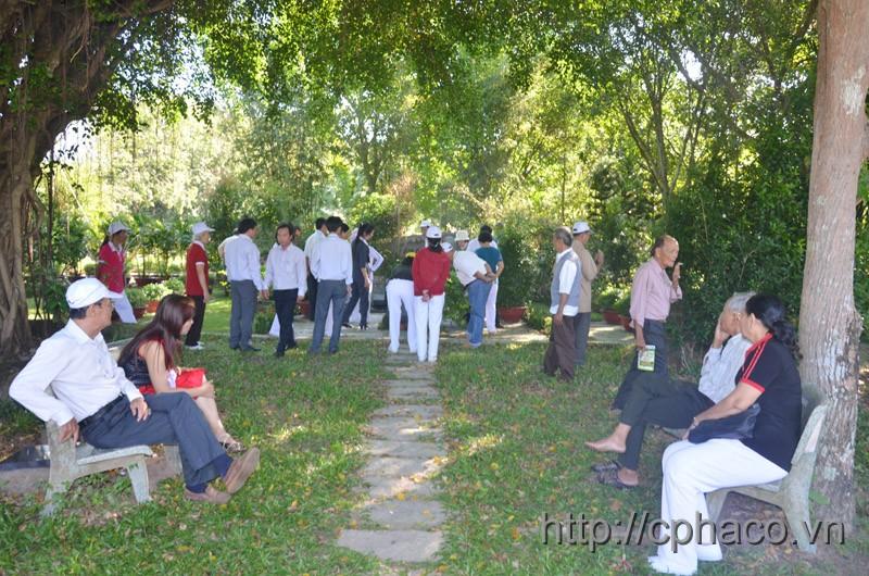 Thăm mộ nhà văn Sơn Nam