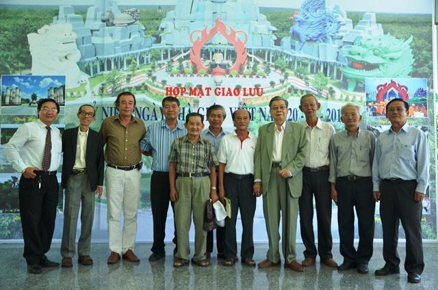Họp mặt với các nhà giáo nghỉ hưu tại Linh Hoa Tuệ Đàn