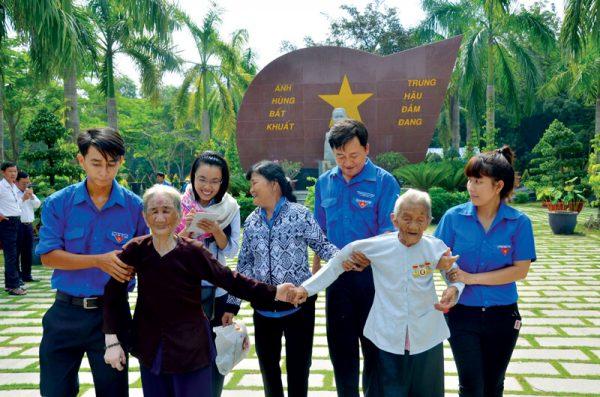Khu an táng Mẹ Việt Nam anh hùng Hoa viên nghĩa trang Bình Dương