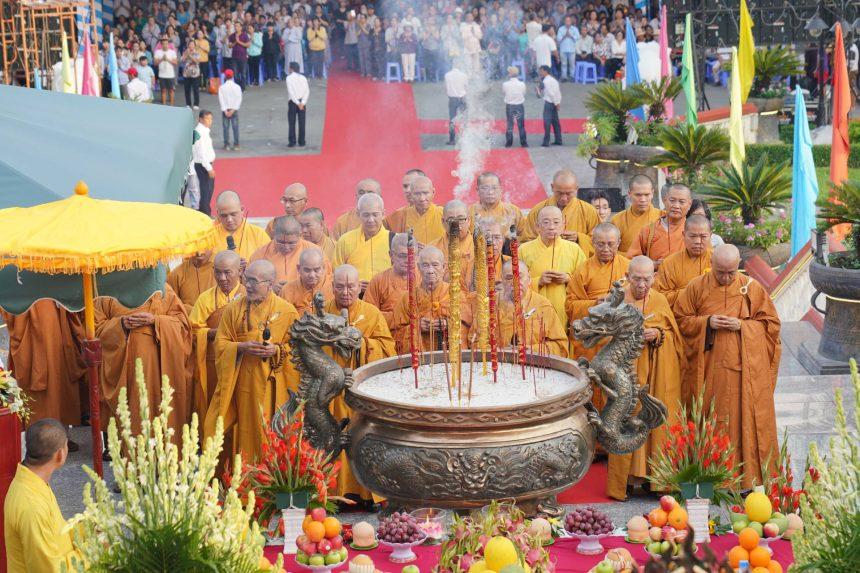 10 năm nhìn lại Đại Lễ Cầu Siêu Tiết Thanh Minh