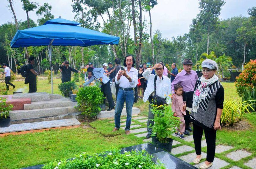 Lễ tạ mộ - hoàn thiện sân khấu mới của NSND - NSƯT Giang Châu