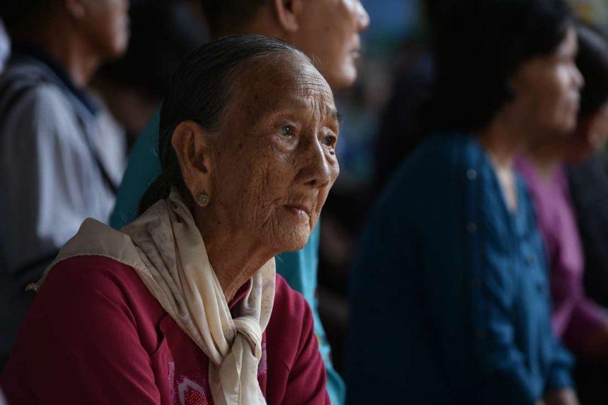Hiểu tâm lý cha mẹ già để chăm sóc sức khỏe người cao tuổi tốt hơn