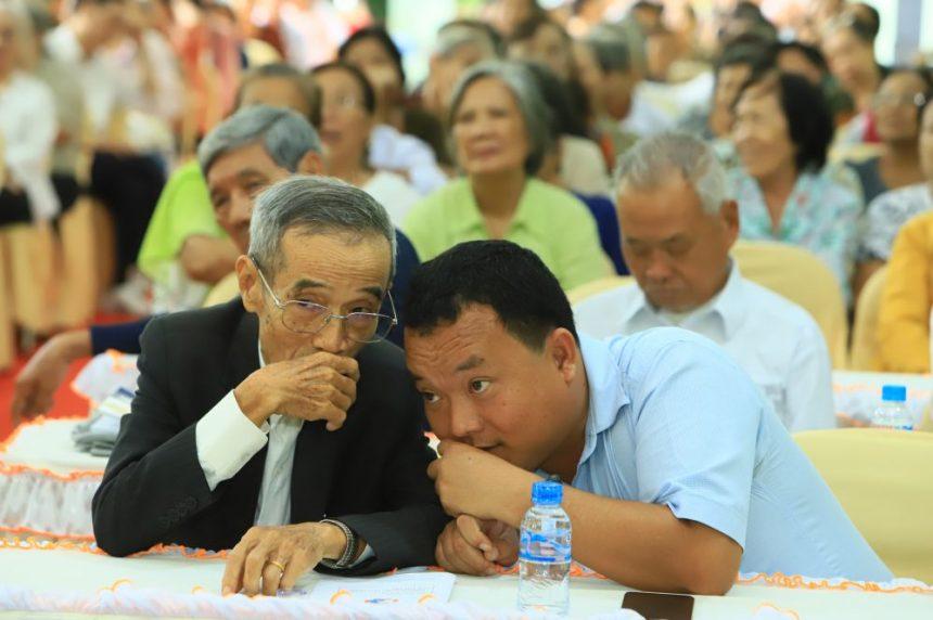 Thầy Lê Hưng trò chuyện, chia sẻ cùng với ông Nguyễn Hiền Triết TGĐ Cty Cổ phần Đầu tư Xây dựng Chánh Phú Hoà