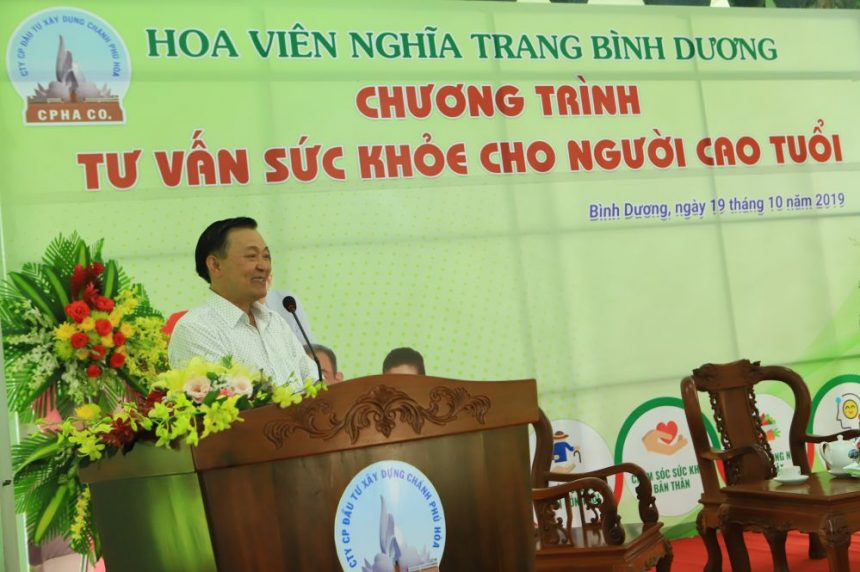 Ông Nguyễn Văn Thiền phát biểu cảm ơn toàn thể các vị đã đến dự buổi tư vấn