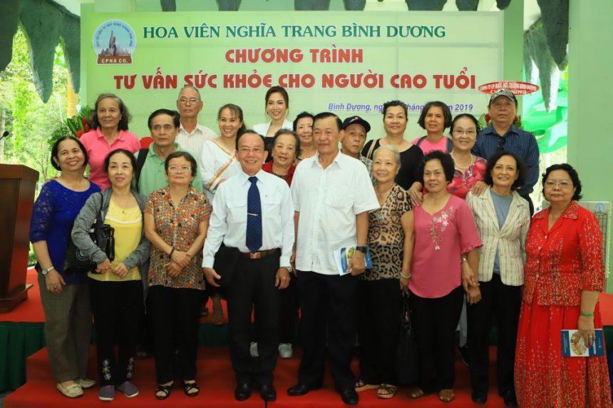 Tư vấn và hỗ trợ chăm sóc sức khỏe cho gần 300 người cao tuổi