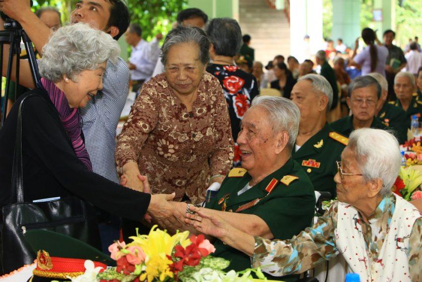 Nữ điệp viên Tám Thảo ở một sự kiện họp mặt do Hoa Viên nghĩa trang Bình Dương tổ chức