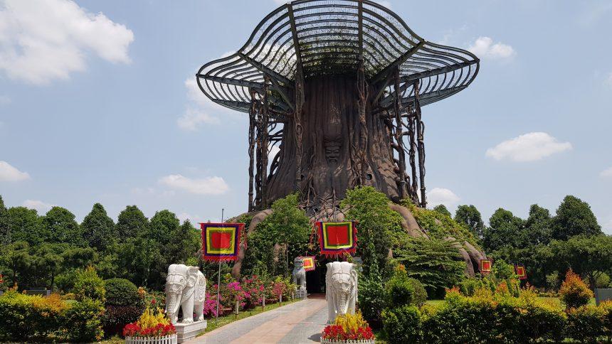 Dâng hương Giỗ Tổ tại Đền Hùng Hồn Việt vào sáng nay