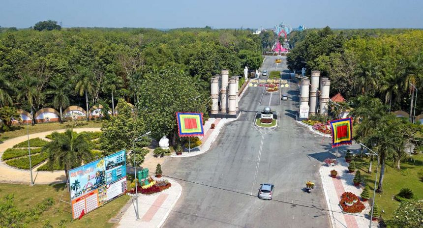 Vĩnh Hằng Môn, cánh cổng dẫn vào miền đất tâm linh của Hoa viên Nghĩa trang Bình Dương
