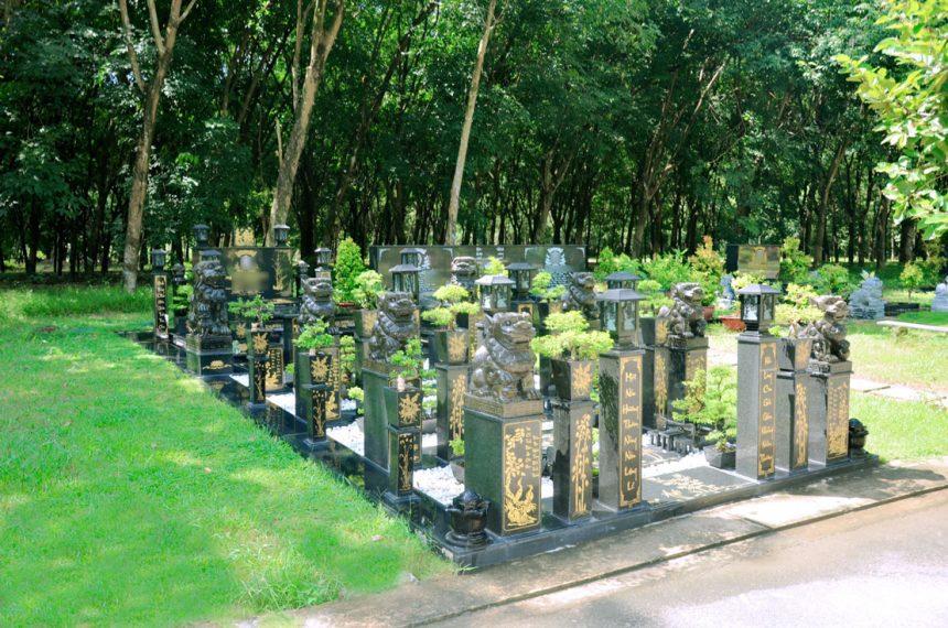 Mẫu mộ đá gia tộc 2