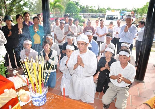 Tập quán phong tục mai táng của người Việt